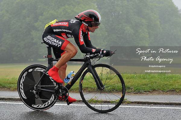Victoria Cycling Club 10.2 mle time trial. Race 4. Essex. England. 24/08/2013. MANDATORY Credit Garry Bowden/Sportinpictures - NO UNAUTHORISED USE - 07837 394578