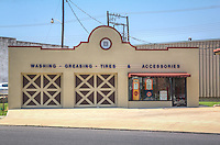 Thisfilling station was built in 1922 byWaite Phillips. The buildinghas beenrestored by the Sapulpa HistoricalSocietyand is currently used as a museum. The museum houses automobiles from the 1920sand is located one block off historic Route 66.