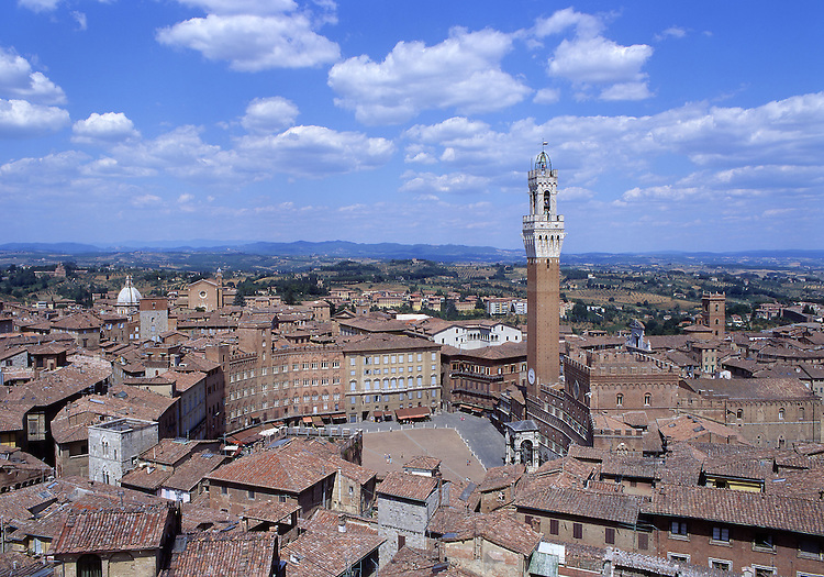 Europe, ITA, Italy, Tuscany, Siena, Palazzo Pubblico, Piazza il Campo....[ For each utilisation of my images my General Terms and Conditions are mandatory. Usage only against use message and proof. Download of my General Terms and Conditions under http://www.image-box.com or ask for sending. A clearance before usage is necessary...Material is subject to royalties. Each utilisation of my images is subject to a fee in accordance to the present valid MFM-List...Contact | archive@image-box.com | www.image-box.com ]