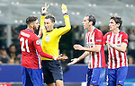Atletico de Madrid's Yannick Ferreira Carrasco, Diego Godin and Stefan Savic have words with the English referee Mark Clattenburg during UEFA Champions League 2015/2016 Final match.May 28,2016. (ALTERPHOTOS/Acero)