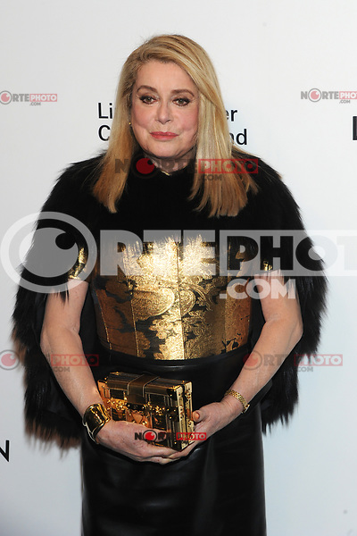 NEW YORK, NY - NOVEMBER 30: Catherine Deneuve at the Lincoln Center Corporate Fund Gala at Alice Tully Hall in New York City on November 30, 2017. Credit: John Palmer/MediaPunch NortePhoto.com. NORTEPHOTOMEXICO