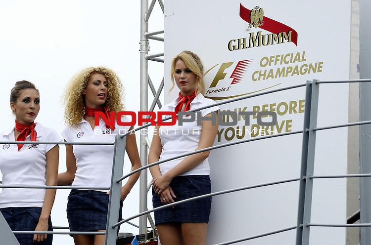 05.-08.09.2011, Autodromo Nationale, Monza, ITA, F1, Grosser Preis von Italien, Monza, im Bild  Italian GP Impressions - Grid Girls<br />  Foto &copy; nph / Mathis