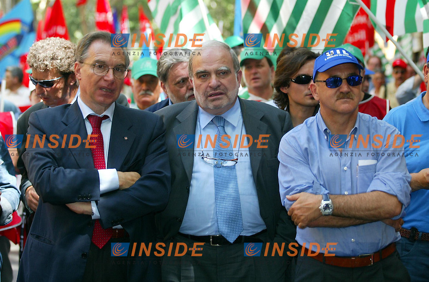 Roma 27 Giugno 2003<br /> Manifestazione per il rinnovo dei contratti del pubblico impiego. I segretari di Cgil, Cisl e Uil, Guglielmo Epifani, Savino Pezzotta, Luigi Angeletti