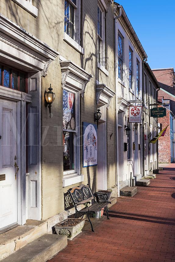 Shops along Caroline Street ib historic Fredericksburg, Virginia, USA