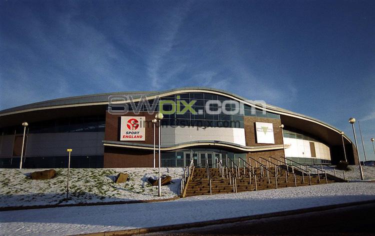Pix: Matthew Lewis/SWpix.com. Commonwealth games. Manchester Aquatics centre. 10/12/2001...COPYWRIGHT PICTURE>>SIMON WILKINSON>>01943 436649>>..Manchester Velodome..