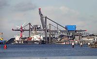 Nederland Amsterdam 2019. OBA Bulk Terminal Amsterdam is een overslagbedrijf voor bulkgoed in het Westelijk Havengebied van Amsterdam. De belangrijkste productgroepen die worden overgeslagen zijn: steenkool, agrarische producten, mineralen en biomassa.  Foto Berlinda van Dam / Hollandse Hoogte