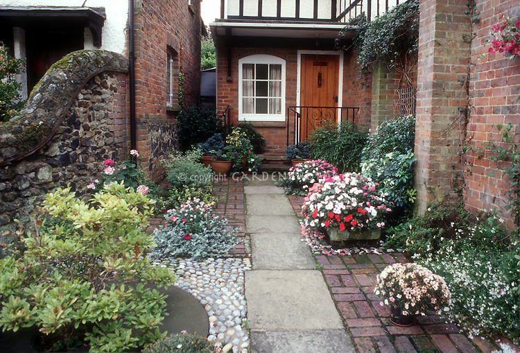 Small Space Courtyard Flower Entrance Garden Plant