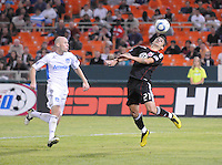DC United forward Pablo Hernandez (21).  San Jose Earthquakes defeated DC United 2-0 at RFK Stadium, October 9, 2010.