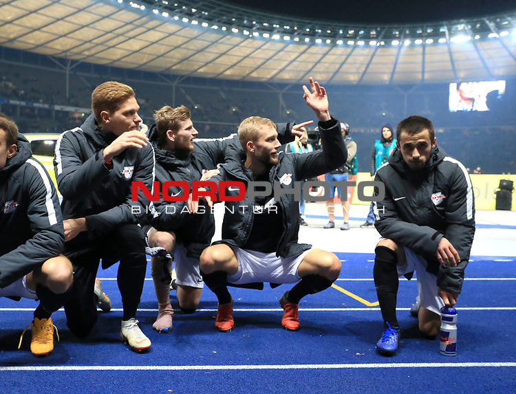 03.11.2018, OLympiastadion, Berlin, GER, DFL, 1.FBL, Hertha BSC VS. RB Leipzig, <br /> DFL  regulations prohibit any use of photographs as image sequences and/or quasi-video<br /> <br /> im Bild Timo Werner (RB Leipzig #11) in der Leipziger Fans, Fanblock, Fan<br /> <br />       <br /> Foto © nordphoto / Engler