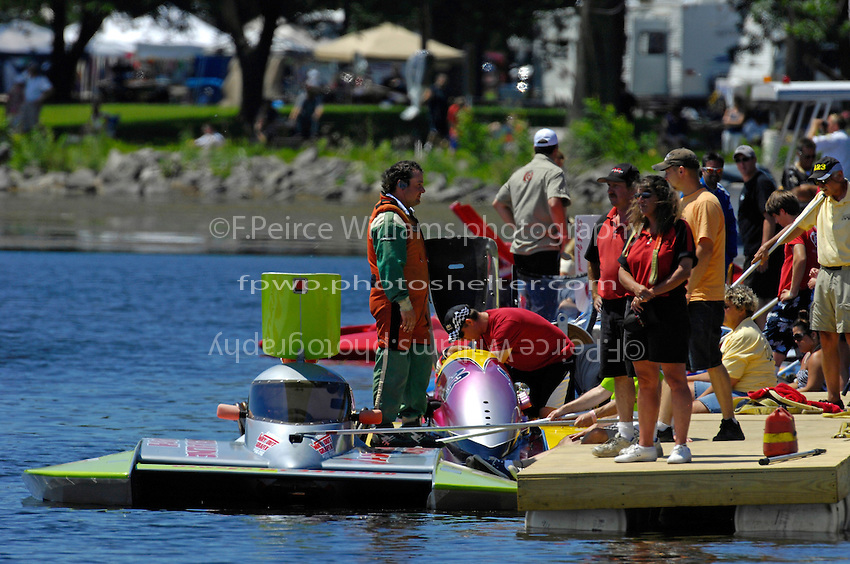 Derec Smith, CE-13 at the dock. (5 Litre class hydroplane(s)