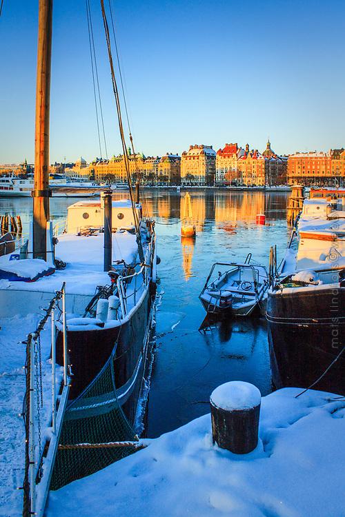 Vinter vid brygga på Skeppsholmen i Stockholm