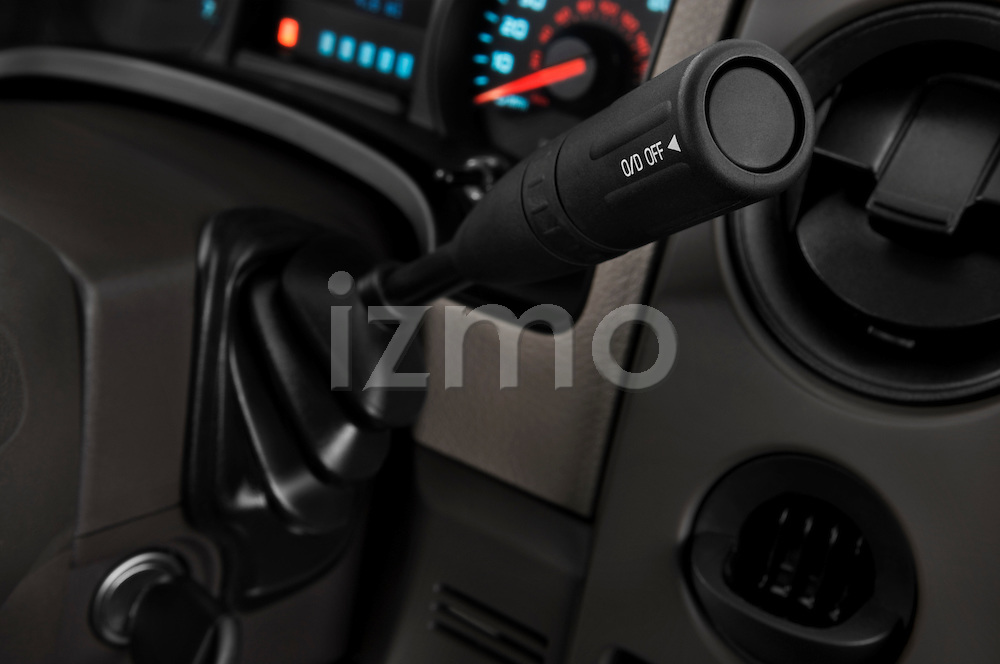 Gear shift detail view of a 2009 Ford F150 XL Super Cab