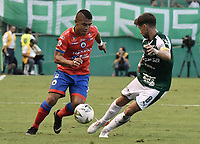 PALMIRA - COLOMBIA, 01-09-2019: Matias Cabrera del Cali disputa el balón con Cesar Amaya de Pasto durante partido entre Deportivo Cali y Deportivo Pasto por la fecha 9 de la Liga Águila II 2019 jugado en el estadio Deportivo Cali de la ciudad de Palmira. / Matias Cabrera of Cali vies for the ball with Cesar Amaya of Pasto during match between Deportivo Cali and Deportivo Pasto for the date 9 as part Aguila League II 2019 played at Deportivo Cali stadium in Palmira city. Photo: VizzorImage / Gabriel Aponte / Staff