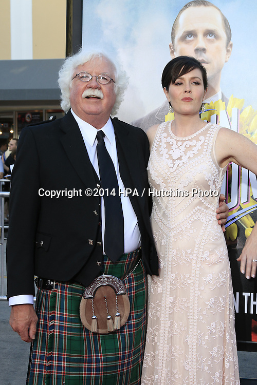 """LOS ANGELES - MAY 15:  Ronald MacFarlane, Rachael MacFarlane at the """"A Million Ways To Die In The West"""" World Premiere at Village Theater on May 15, 2014 in Westwood, CA"""