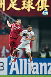 Shanghai FC Forward Elkeson De Oliveira Cardoso (L) fights for the ball with Sydney Wanderers Midfielder Kearyn Baccus (R) during the AFC Champions League 2017 Group F match between Shanghai SIPG FC (CHN) vs Western Sydney Wanderers (AUS) at the Shanghai Stadium on 28 February 2017 in Shanghai, China. Photo by Marcio Rodrigo Machado / Power Sport Images
