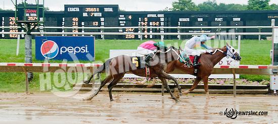 Etar winning at Delaware Park on 7/1/13