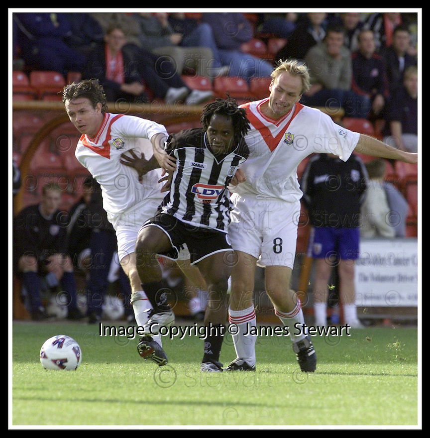 08/09/2001                Copyright Pic : James Stewart .Ref : 673N9670                          .File Name : stewart03-airdrie v st mirren.ST MIRREN'S JOSE QUITONGO BATTLES HIS WAY PAST ANTHONY SMITH AND NEIL MACFARLANE.......James Stewart Photo Agency, Stewart House, Stewart Road, Falkirk. FK2 7AS      Vat Reg No. 607 6932 25.Office : +44 (0)1324 630007     Mobile : + 44 (0)7721 416997.Fax     :  +44 (0)1324 630007.E-mail : jim@jspa.co.uk.If you require further information then contact Jim Stewart on any of the numbers above.........
