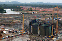 Implantação da Unidade Hidrelátrica de Belo Monte e a cidade de Altamira, uma das principais atingidas pela implantação do projeto, <br /> Vitória do Xingu, Pará, Brasil.<br /> Foto Paulo Santos<br /> 23/11/2013