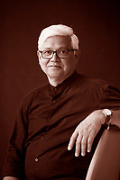 The acclaimed Indian novelist Amitav Ghosh argues that future generations may ... Antique Land, Ghosh examines our inability—at the level of literature, history. Amitav Ghosh (Calcutta, 11 luglio 1956) è uno scrittore, giornalista e antropologo indiano. Torino, Salone del Libro 2017. © Leonardo Cendamo