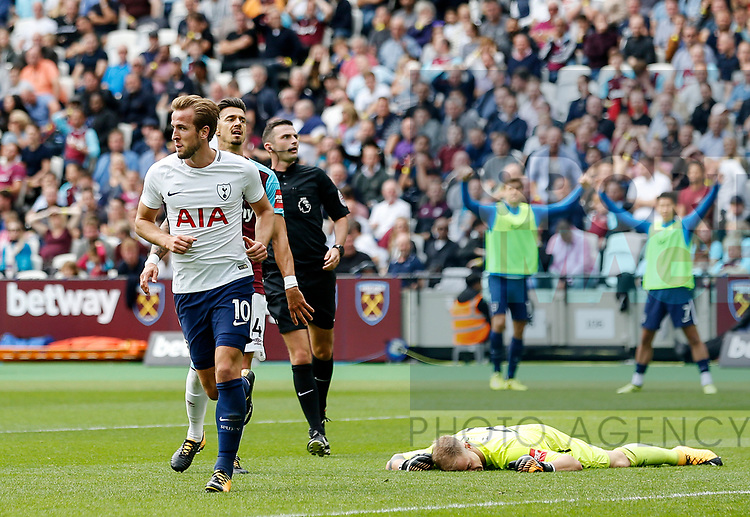 Tottenham's Harry Kane celebrates scoring his sides opening goal during the premier league match at the London Stadium, London. Picture date 23rd September 2017. Picture credit should read: David Klein/Sportimage