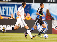 18 April 2009: Ryan Johnson of the Earthquakes in action during the game against Los Angeles Galaxy at Oakland-Alameda County Coliseum in Oakland, California.   Earthquakes and Galaxy are tied 1-1.