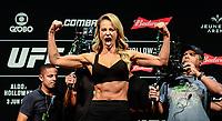 RIO DE JANEIRO, RJ, 02.06.2017 – UFC-RJ – Atriz Paola Oliveira vista durante pesagem para o UFC 212 na Arena Jeunesse, na zona oeste da cidade do Rio de Janeiro, na noite desta sexta-feira (02). (Foto: Jayson Braga / Brazil Photo Press)