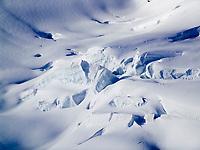 CHE, Schweiz, Kanton Bern, Berner Oberland, Grindelwald: Gletscherspalten im Grossen Aletschgletscher - UNESCO Weltnaturerbe   CHE, Switzerland, Bern Canton, Bernese Oberland, Grindelwald: crevasses at Great Aletsch Glacier - UNESCO World Natural Heritage