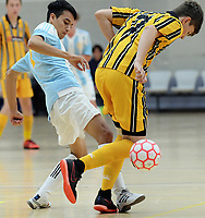 New Plymouth BHS v Shirley (blue). 2018 New Zealand Secondary Schools Boys' National Futsal Championships at ASB Sports Centre in Wellington, New Zealand on Wednesday, 21 March 2018. Photo: Dave Lintott / lintottphoto.co.nz