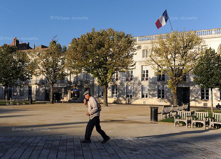 20081023 - France - Poitou-Charentes - Rochefort<br />La Place Colbert a Rochefort.<br />Ref : ROCHEFORT_027.jpg - &copy; Philippe Noisette.