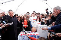 Silvio Berlusconi vota al gazebo del Pantheon<br /> Silvio Berlusconi votes at the Gazebo of Pantheon<br /> Roma 12-03-2016 Gazebo al Pantheon. Gazebarie del centro destra per valutare il gradimento del candidato proprosto a Sindaco di Roma.<br /> Gazebo at Pantheon. Primary elections of the Centre-right party for the local elections of the Mayor of Rome.<br /> Photo Samantha Zucchi Insidefoto