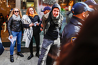 NOVA YORK, EUA, 10.11.2018 - PROTESTO-EUA - Protesto contra o fascismo e o anti-semitismo em Uper East Side na ilha de Manhattan na cidade de Nova York nos Estados Unidos neste sábado, 10. Três manifestantes foram detidos. (Foto: William Volcov/Brazil Photo Press)