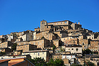 Abruzzo, vista del paese di Navelli.<br /> Abruzzo, view of the village of Navelli.