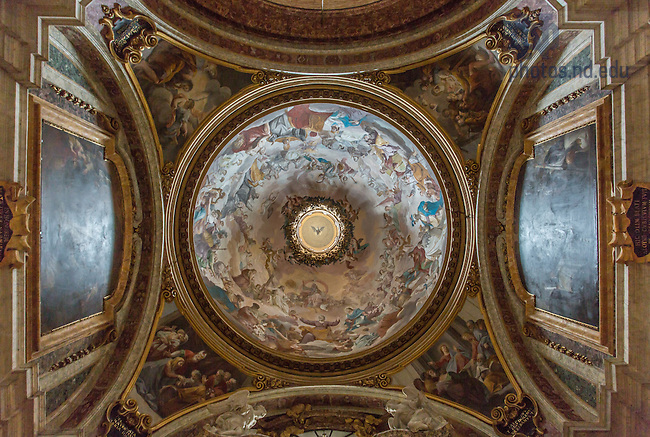 Jan. 26, 2014; Interior of a church in Rome. <br /> <br /> Photo by Matt Cashore/University of Notre Dame