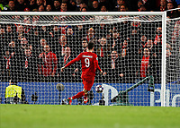25th February 2020; Stamford Bridge, London, England; UEFA Champions League Football, Chelsea versus Bayern Munich; Robert Lewandowski of Bayern Munich shoots to score his sides 3rd goal in the 76th minute to make it 0-3 into an open net