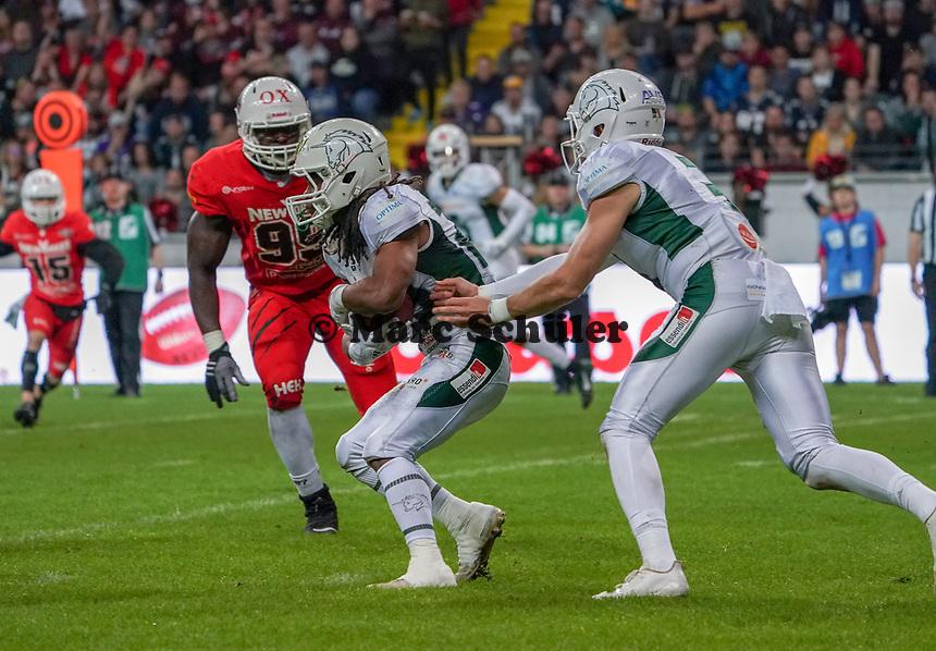 RB Jerome Manyema(Schwäbisch Hall Unicorns) hat den Ball - 12.10.2019: German Bowl XLI Braunschweig Lions vs. Schwäbisch Hall Unicorns, Commerzbank Arena Frankfurt