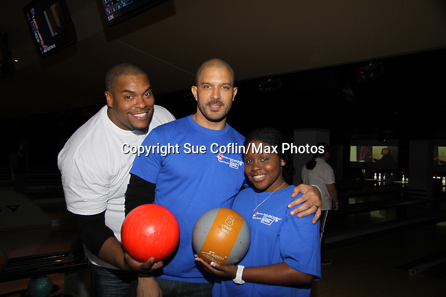 One Life To Live's Sean Ringgold - Terrell Tilford - Shenell Edmonds at The Seventh Annual Daytime Stars and Strikes benefitting The American Cancer Society hosted by Elizabeth Keifer and Jerry VerDorn with actors from One Life To Live, All My Children, As The World Turns and Guiding Light on October 9, 2010 in New York City, New York. (Photo by Sue Coflin/Max Photos)