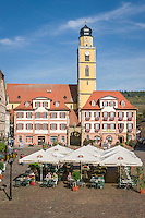 Germany, Baden-Wuerttemberg, Tauber Valley, Bad Mergentheim: market square and Twin Houses and cathedral St John the Baptist at background | Deutschland, Baden-Wuerttemberg, Taubertal, Bad Mergentheim: Marktplatz mit den Zwillingshaeusern und dem Muenster St. Johannes