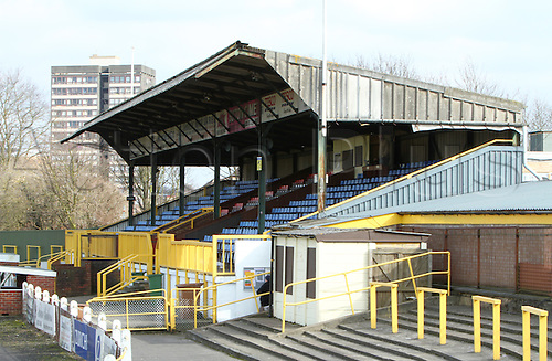 06/03/2010. Sutton United Stadium - main stand, terrace seating and terraces - tower block in background. Ryman Premier League match - Sutton United v Maidstone United at Sutton, Surrey, England, UK. Photo: Colin Read/Actionplus - Editorial Use