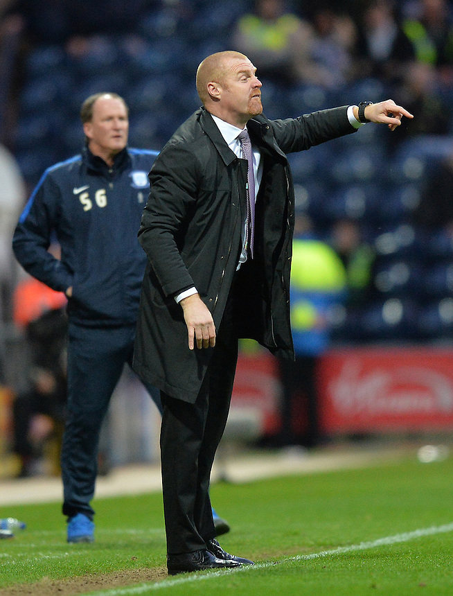 Burnley's Manager Sean Dyche shouts instructions to his team from the dug-out<br /> <br /> Photographer Dave Howarth/CameraSport<br /> <br /> Football - The Football League Sky Bet Championship - Preston North End v Burnley - Friday 22nd April 2016 - Deepdale - Preston<br /> <br /> &copy; CameraSport - 43 Linden Ave. Countesthorpe. Leicester. England. LE8 5PG - Tel: +44 (0) 116 277 4147 - admin@camerasport.com - www.camerasport.com