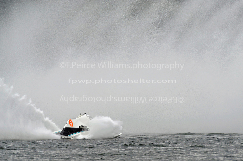 "Brandon Kennedy, A-7 ""Magic"" finds a wall of water in the first turn. (2.5 MOD class hydroplane(s)"