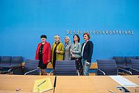 Fraktionsuebergreifend stellten am Montag den 6. Mai 2019 Bundestagsabgeordneten Annalena Baerbock, Bundesvorsitzende Buendnis 90 / Die Gruenen (2.vr.); Katja Kipping, Parteivorsitzende der Linkspartei (1.vr.); Christine Aschenberg-Dugnus, gesundheitspolitische Sprecherin der FDP-Bundestagsfraktion (1.vl.); Hilde Mattheis, SPD (Mitte) und Karin Maag, gesundheitspolitische Sprecherin der CDU/CSU-Bundestagsfraktion (2.vl.) einen alternativen Gesetzentwurf zur Organspende vor. Im Gegensatz zum Organspendegesetz von Gesundheitsminister Jens Spahn, setzten die Abgeordneten auf Freiwilligkeit zur Organspende und nicht auf die automatische Zustimmung, wenn kein Widerspruch vorliegt.<br /> 6.5.2019, Berlin<br /> Copyright: Christian-Ditsch.de<br /> [Inhaltsveraendernde Manipulation des Fotos nur nach ausdruecklicher Genehmigung des Fotografen. Vereinbarungen ueber Abtretung von Persoenlichkeitsrechten/Model Release der abgebildeten Person/Personen liegen nicht vor. NO MODEL RELEASE! Nur fuer Redaktionelle Zwecke. Don't publish without copyright Christian-Ditsch.de, Veroeffentlichung nur mit Fotografennennung, sowie gegen Honorar, MwSt. und Beleg. Konto: I N G - D i B a, IBAN DE58500105175400192269, BIC INGDDEFFXXX, Kontakt: post@christian-ditsch.de<br /> Bei der Bearbeitung der Dateiinformationen darf die Urheberkennzeichnung in den EXIF- und  IPTC-Daten nicht entfernt werden, diese sind in digitalen Medien nach §95c UrhG rechtlich geschuetzt. Der Urhebervermerk wird gemaess §13 UrhG verlangt.]