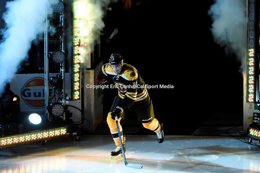 Thursday, October 8, 2015: Boston Bruins right wing Jimmy Hayes (11) takes the ice for the season opening game between the Winnipeg Jets and the Boston Bruins held at TD Garden, in Boston, Massachusetts. Winnipeg defeated Boston 6-2 in regulation time. Eric Canha/CSM
