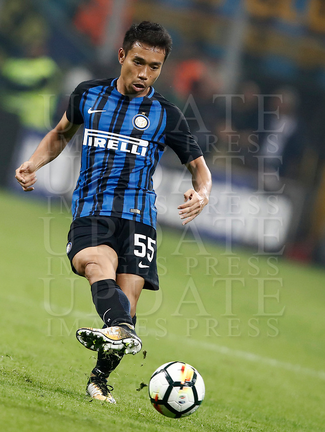 Calcio, Serie A: Milano, stadio Giuseppe Meazza, 15 ottobre 2017.<br /> Inter's Yuto Nagatomo in action during the Italian Serie A football match between Inter and Milan at Giuseppe Meazza (San Siro) stadium, October15, 2017.<br /> UPDATE IMAGES PRESS/Isabella Bonotto
