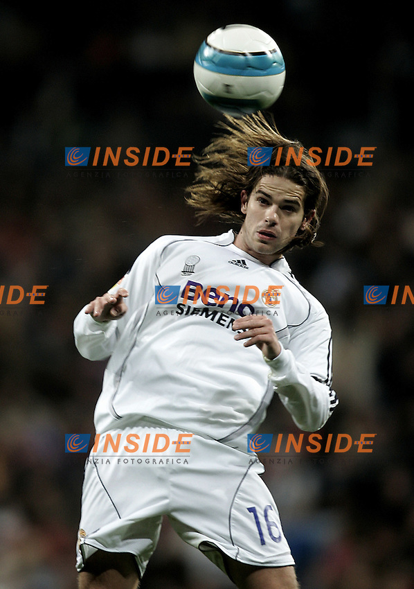 Real Madrid's Fernando Gago during the Spanish League match between Real Madrid and Real Betis at Santiago Bernabeu Stadium  in Madrid, Saturday February 17 2007. (INSIDE/ALTERPHOTOS/B.echavarri).