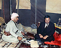 Iraq 1963 .On march 4th, in Kani Maran, Mustafa Barzani having lunch with Fuad Aref.Irak 1963.Le 4 mars, a Kani, Maran, Mustafa Barzani dejeunant avec Fuad Aref