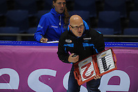 SCHAATSEN: HEERENVEEN: 05-10-2013, IJsstadion Thialf, Trainingwedstrijd, coach Ron Neymann, ©foto Martin de Jong