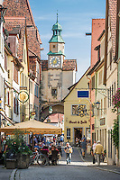 Germany, Bavaria, Middle Franconia, Rothenburg ob der Tauber: Roeder Gate at lane Roedergasse | Deutschland, Bayern, Mittelfranken, Rothenburg ob der Tauber: Roederbogen in der Roedergasse