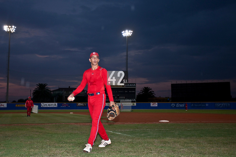 24 September 2009: Ariel Pestano of Cuba is seen prior to the 2009 Baseball World Cup final round match won 5-3 by Team USA over Cuba, in Nettuno, Italy.