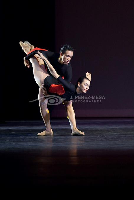 """Encuentro"" by Western Ballet Teater, choreographed by Nana Badrena. Dancers: Yamilette Padilla, Gina Batista, Dillon Shiferly and David Soler."