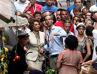 NAPOLI SOFIA LOREN GIRA ALCUNE SCENE DEL FILM <br /> &quot; LA VOCE UMANA &quot;<br /> NELLA FOTO SOFIA LOREN CON IL FIGLIO-REGISTA EDUARDO PONTI<br /> FOTO CIRO DE LUCA